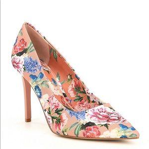 Gianni Bini Jilley Floral Print Pointy-Toe Pumps
